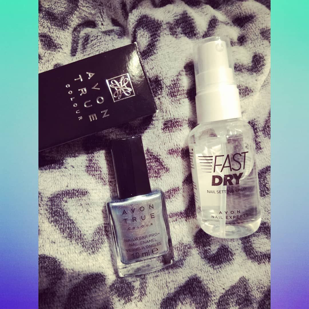 Lak Na Nehty Avon True Colour Odstin Artic Steel A Sprej Pro Urychleni Schnuti Nehtu Avon Avoncosmetic Fandimezenam Kosme In 2020 Dry Nails Fast Dry Nails Nails