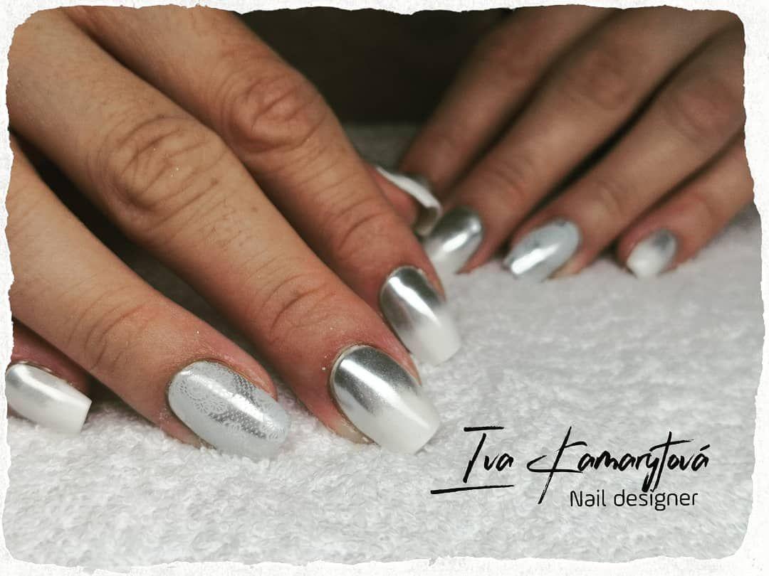 Bilo Stribrne Ombre Ivakamarytova Nehtypardubice Gelovenehty Nehtovamodelaz Nehty Nails Nailart White Whitenails Silver Sil Nail Art Nails Silver