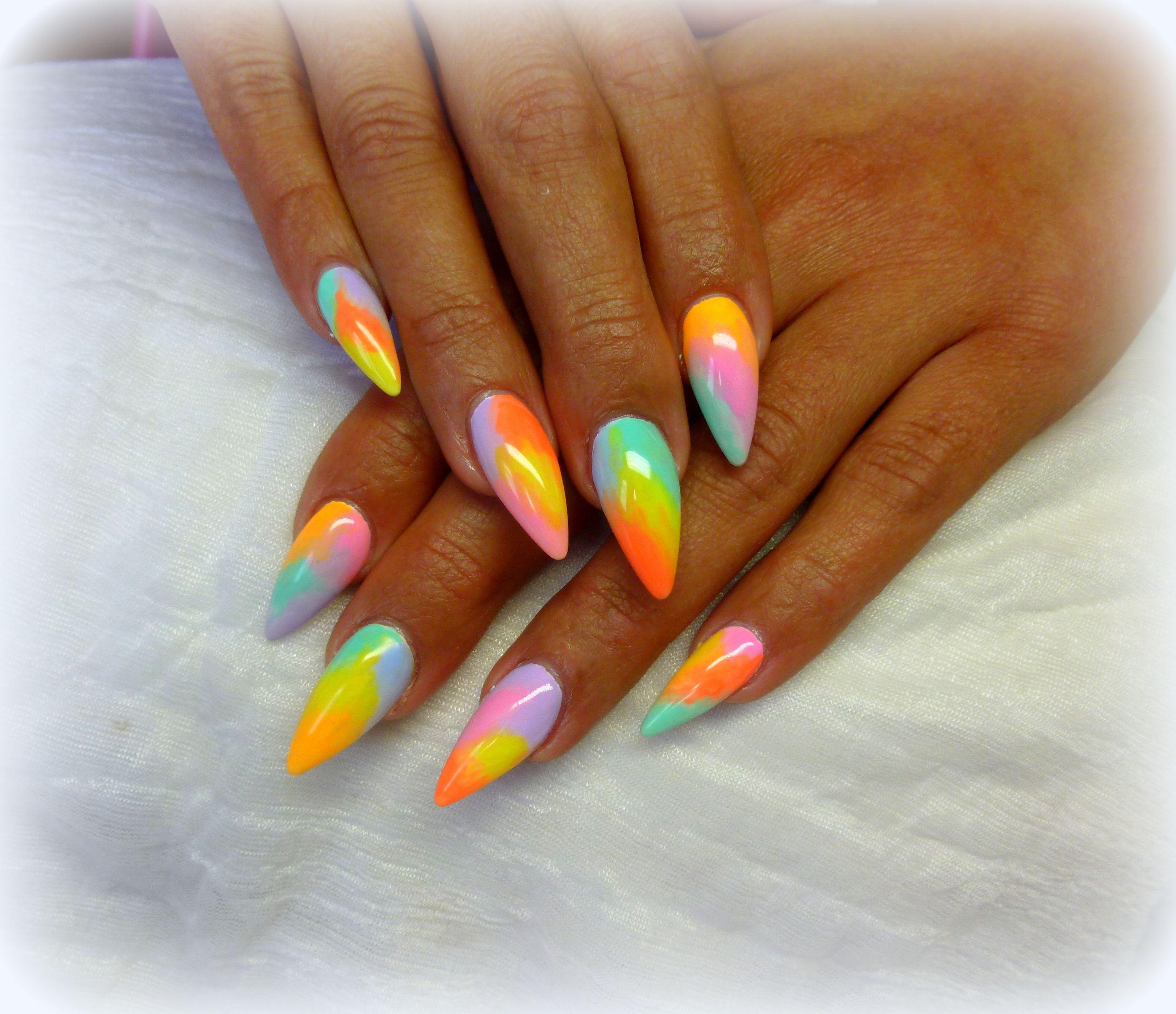 Stiletto Nails With Images Neonove Nehty Barevne Nehty Gelove Nehty