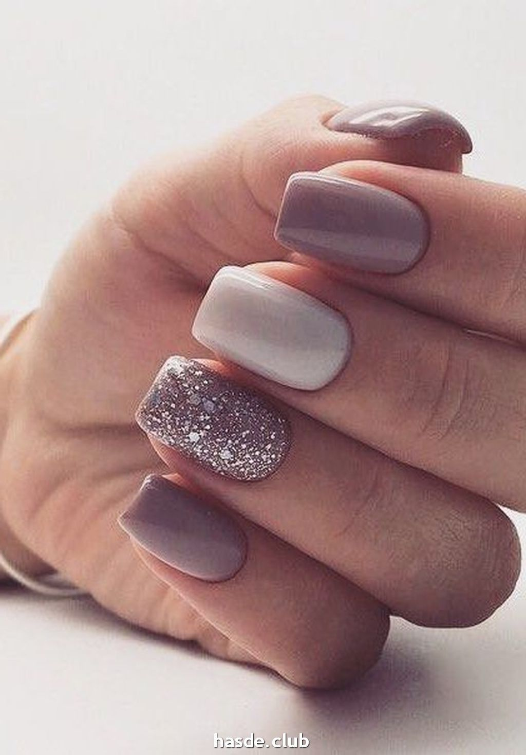 30 Inspiring Winter Nails Color Trend 2020 In 2020 Gelove Nehty Design Nehtu Nehty