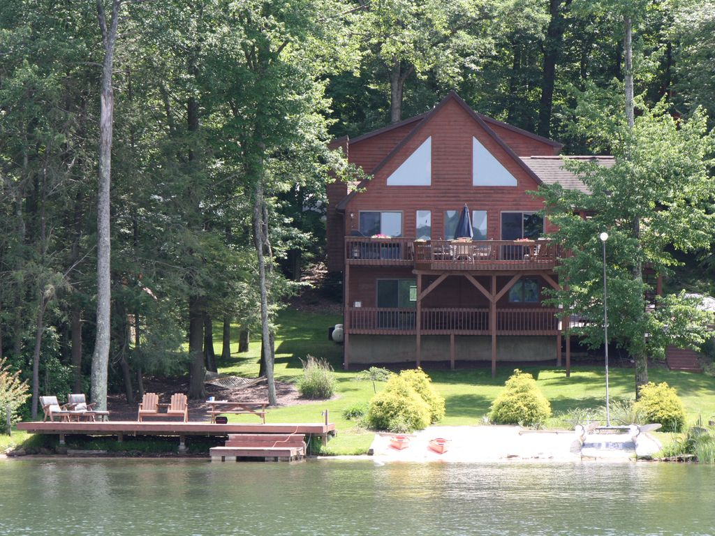 Lakefront Pontoon For Rent Hot Tub Game Room Fire Pit Huge Deck Kayaks Drums