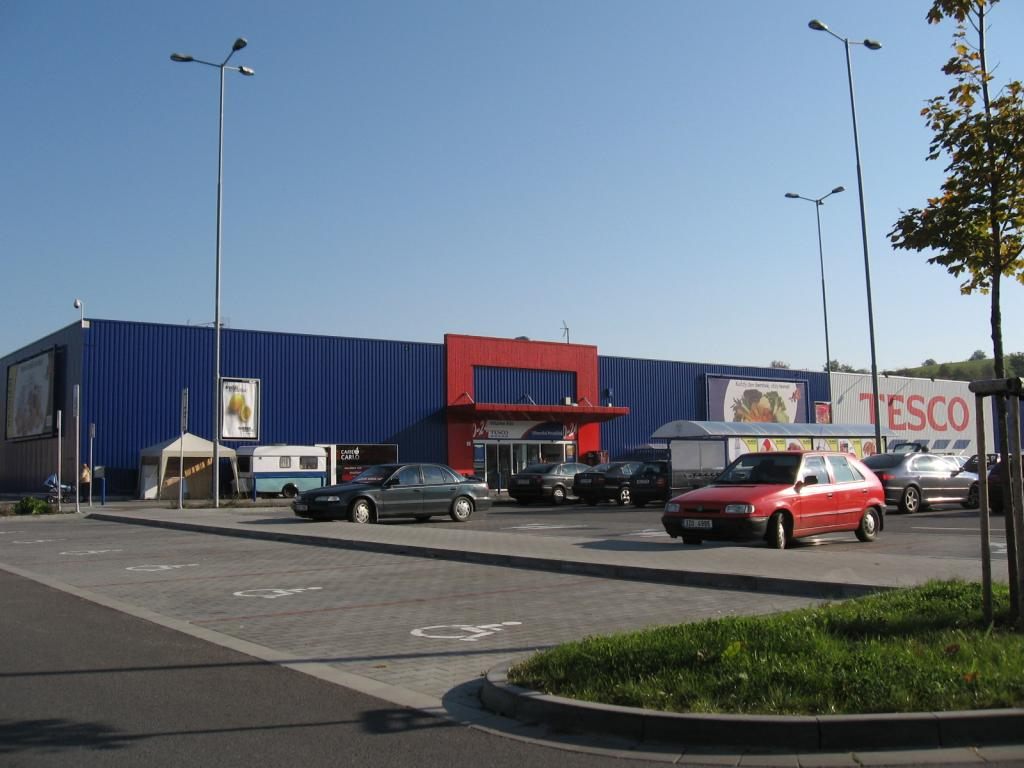 Tesco Uherske Hradiste Aliaz Steel Structures Halls Buildings Reconstruction
