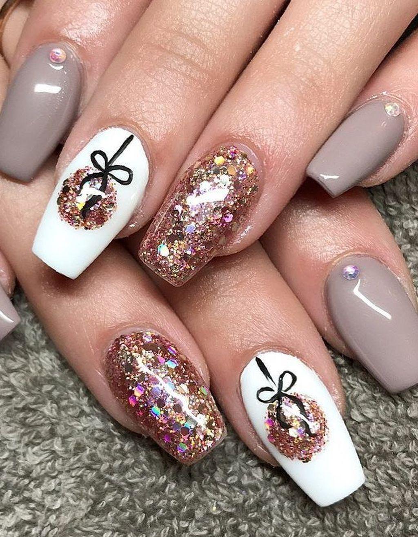 20 Unusual Christmas Nails Design Idea For Pretty Women With Images Gelove Nehty Design Nehtu Nehty