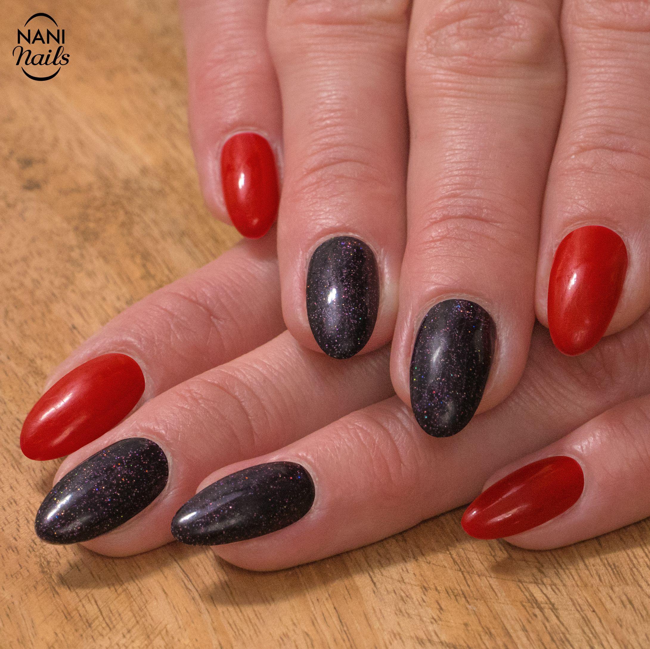 Az Prekvapive Elegantni Kombinaci Tvori Klasicka Cervena A Fialova S Jemnymi Trpytkami Co Na Tuto Manikuru Rikate Nails Manicure Naninails Nailart In 2020 With Images Nail Art