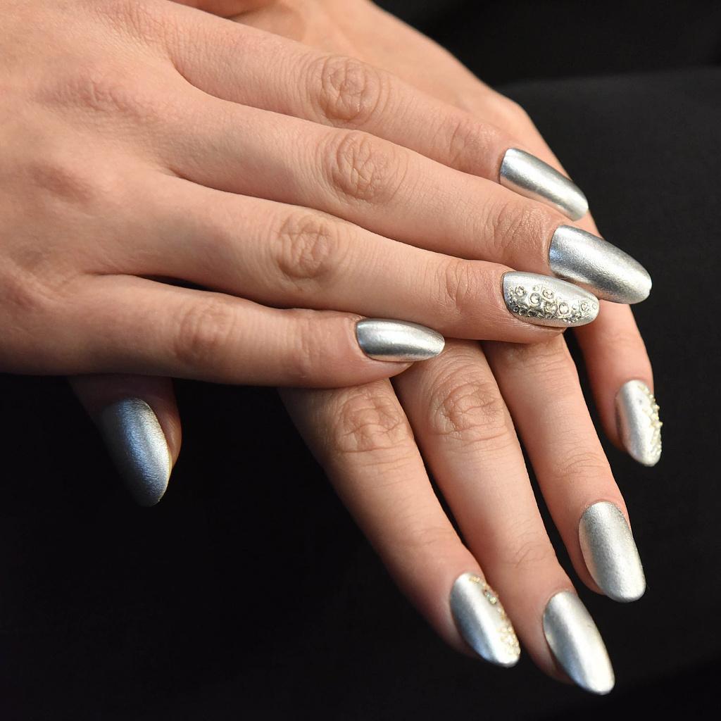 Chromovy Lestici Pigment Silver
