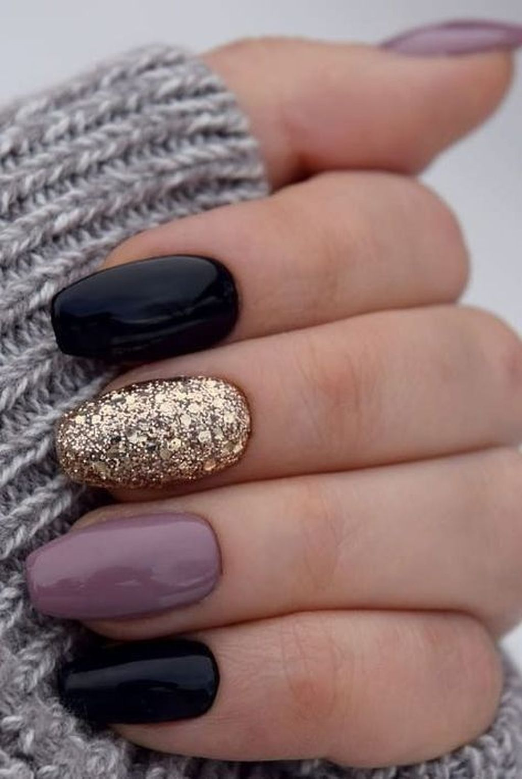30 Amazing Winter Nails Color Ideas Trend 2019 Gelove Nehty Umele Nehty Design Nehtu