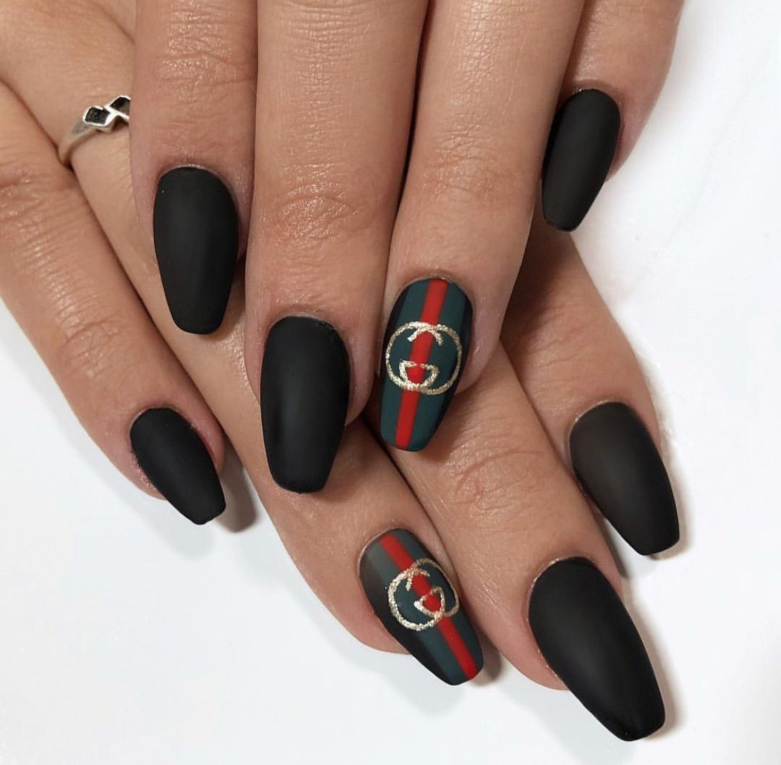 Pin By Elldorie On Nail Art Gucci Nails Chanel Nails Trendy Nails