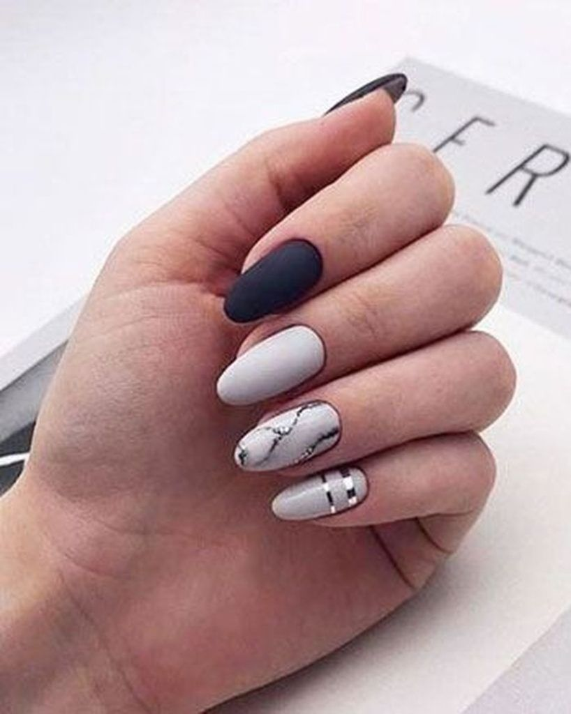 35 Beautiful Winter Nail Art Ideas For To Copy Right Now Gelove Nehty Design Nehtu Kratke Nehty
