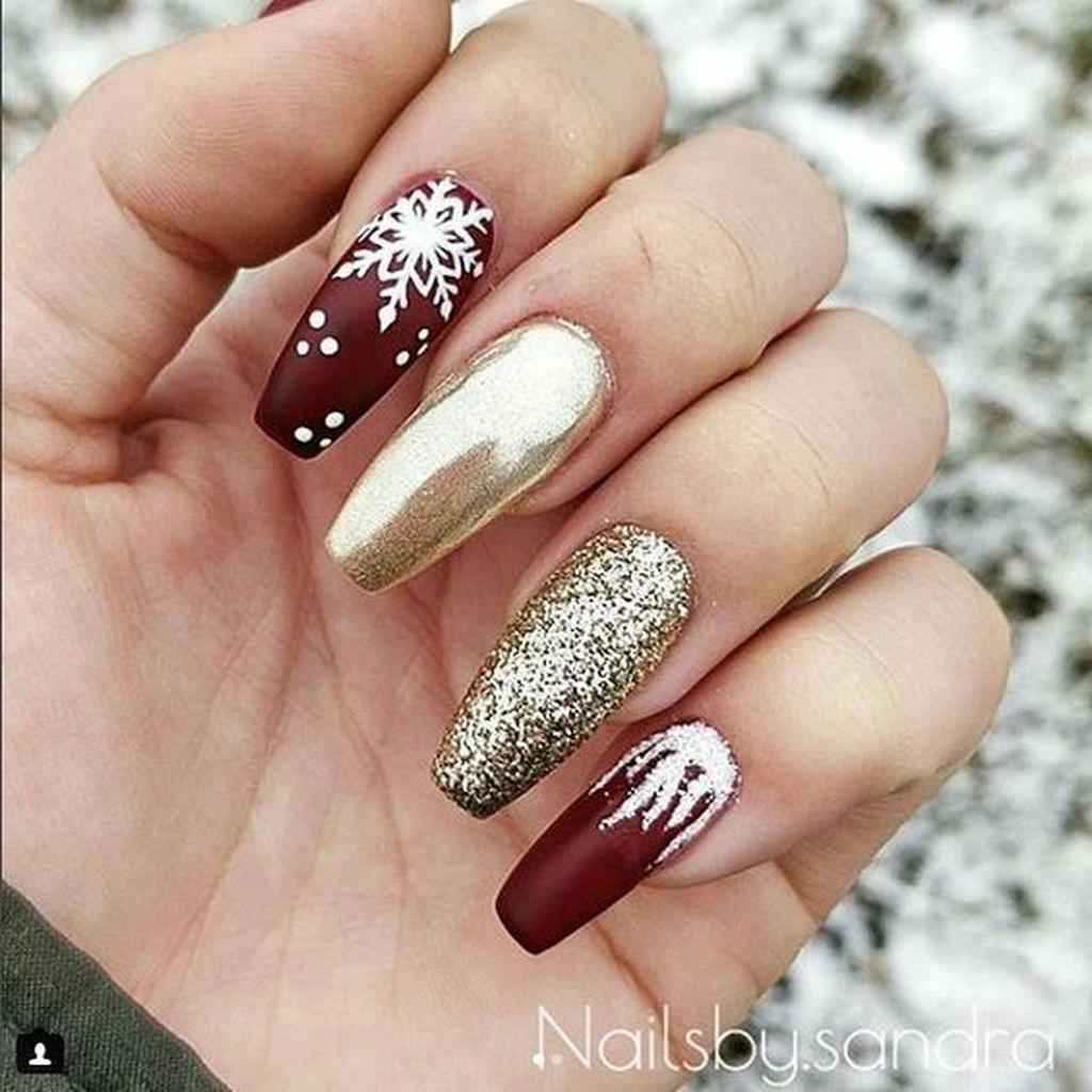 Make An Original Manicure For Valentine S Day Vzory Na Akrylove Nehty Vanocni Akrylove Nehty Vzory Pro Zdobeni Nehtu