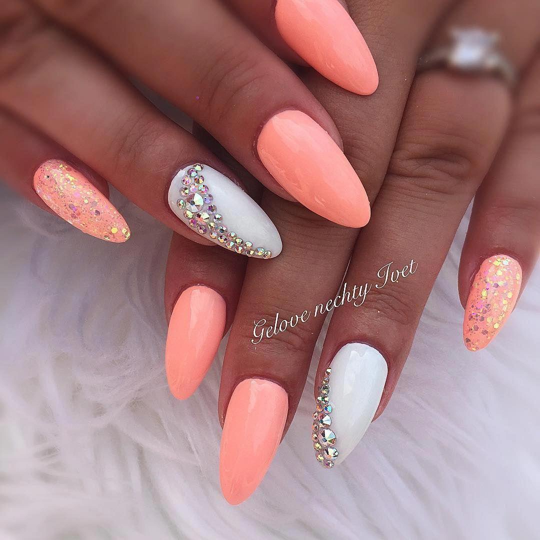 Neonově Oranžové Nehty