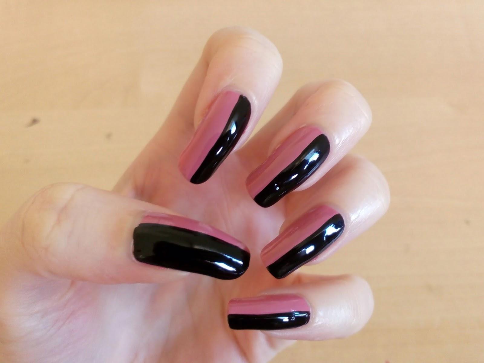 Růžovo černé Nehty
