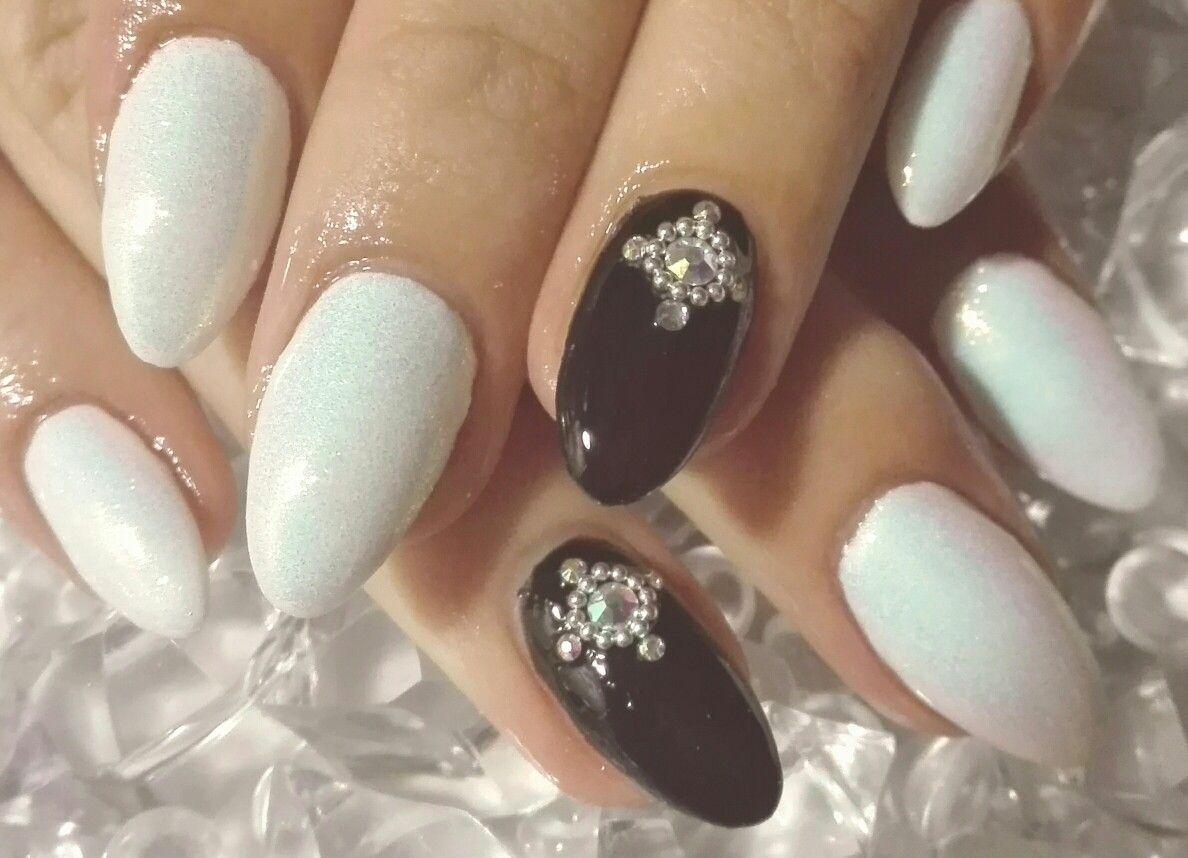 Black And White Nails Nehty
