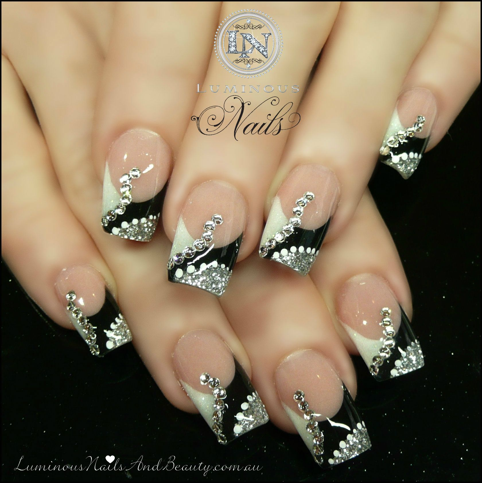 Black White And Silver Tips White And Silver Nails Silver Nails Nail Art Designs