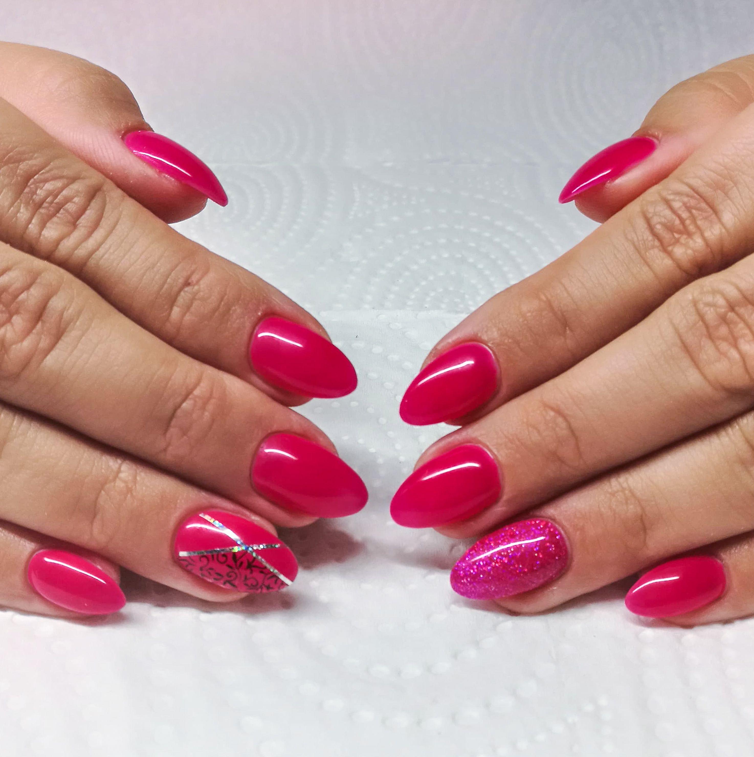 Vecne Krasna Cervena 3 Takove Nehty Muzete Mit I Vy S Naninails Gel Laky Gorgeous Red Manicure Even Your Nails Can Look Like Th Nehet Nehty Lak