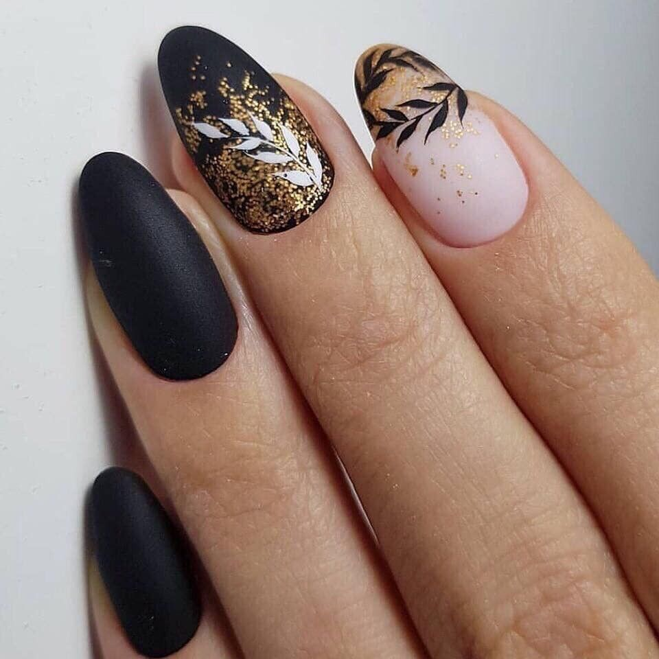 Pin By Petra Sterbova On Nails In 2020 Gelove Nehty Design Nehtu Nehty
