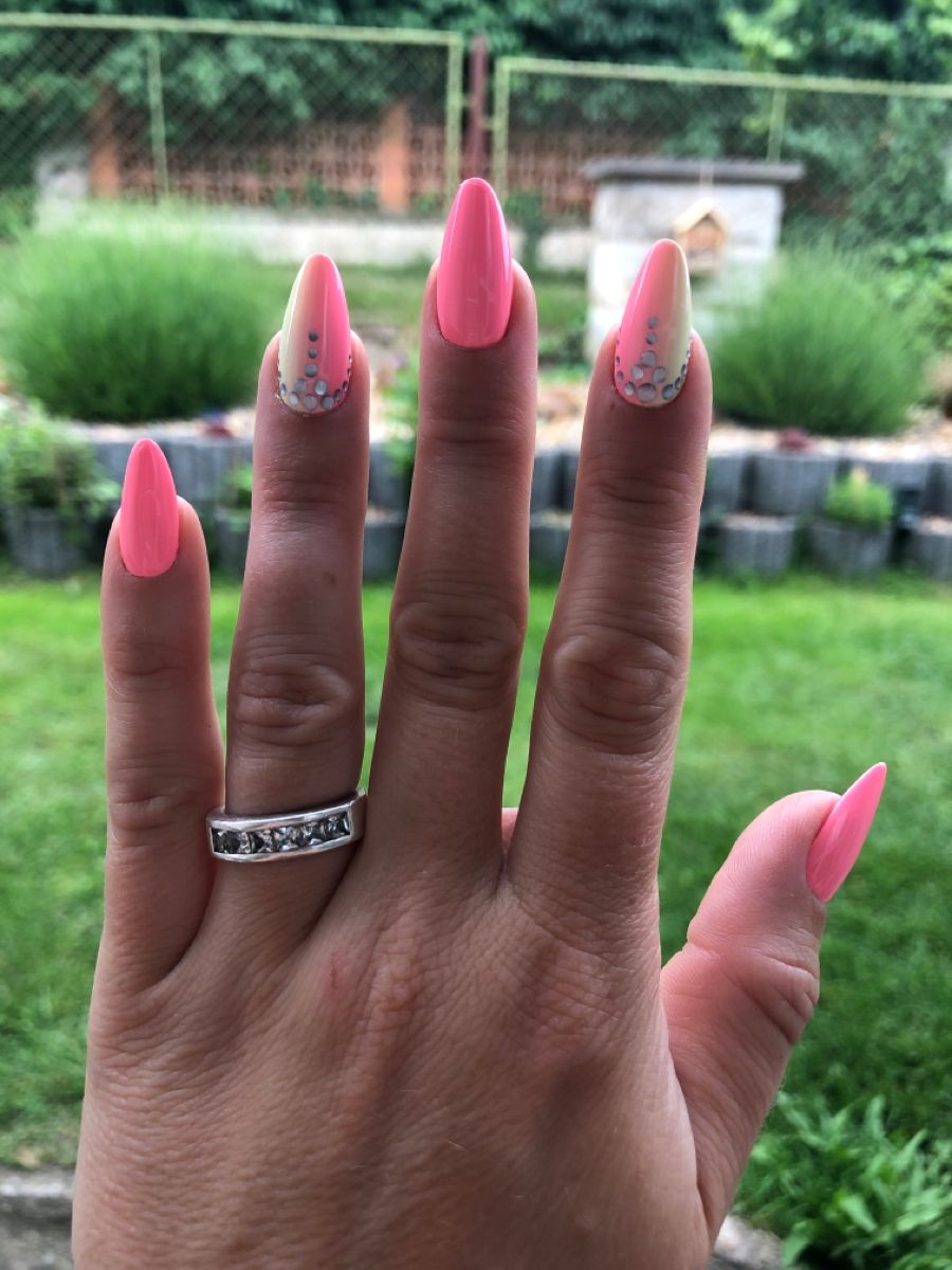 Letni Nehty Ombre In 2020 Engagement Engagement Rings Thumb