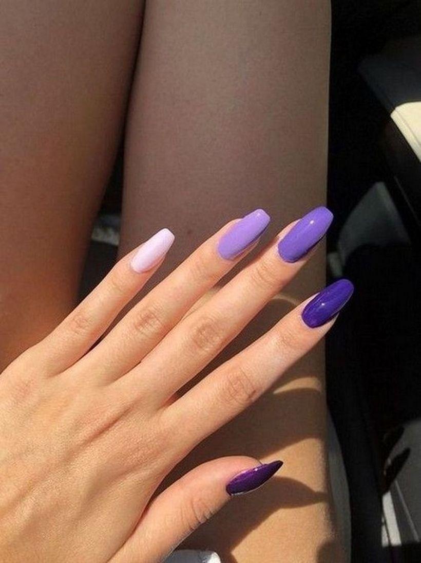 31 Incredible Nail Design With Glitter Accents In 2020 Gelove Nehty Design Nehtu Barevne Nehty