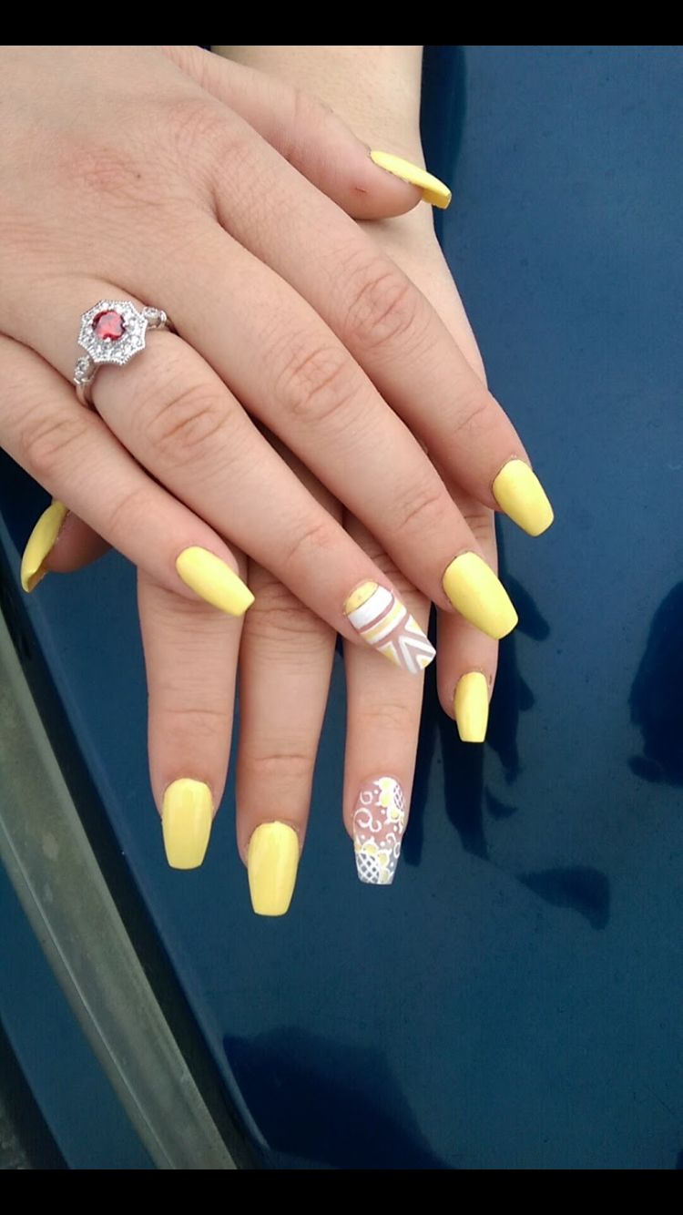 Yellow Coffin Nails With Design Zlute Nehty Nehty Zluta