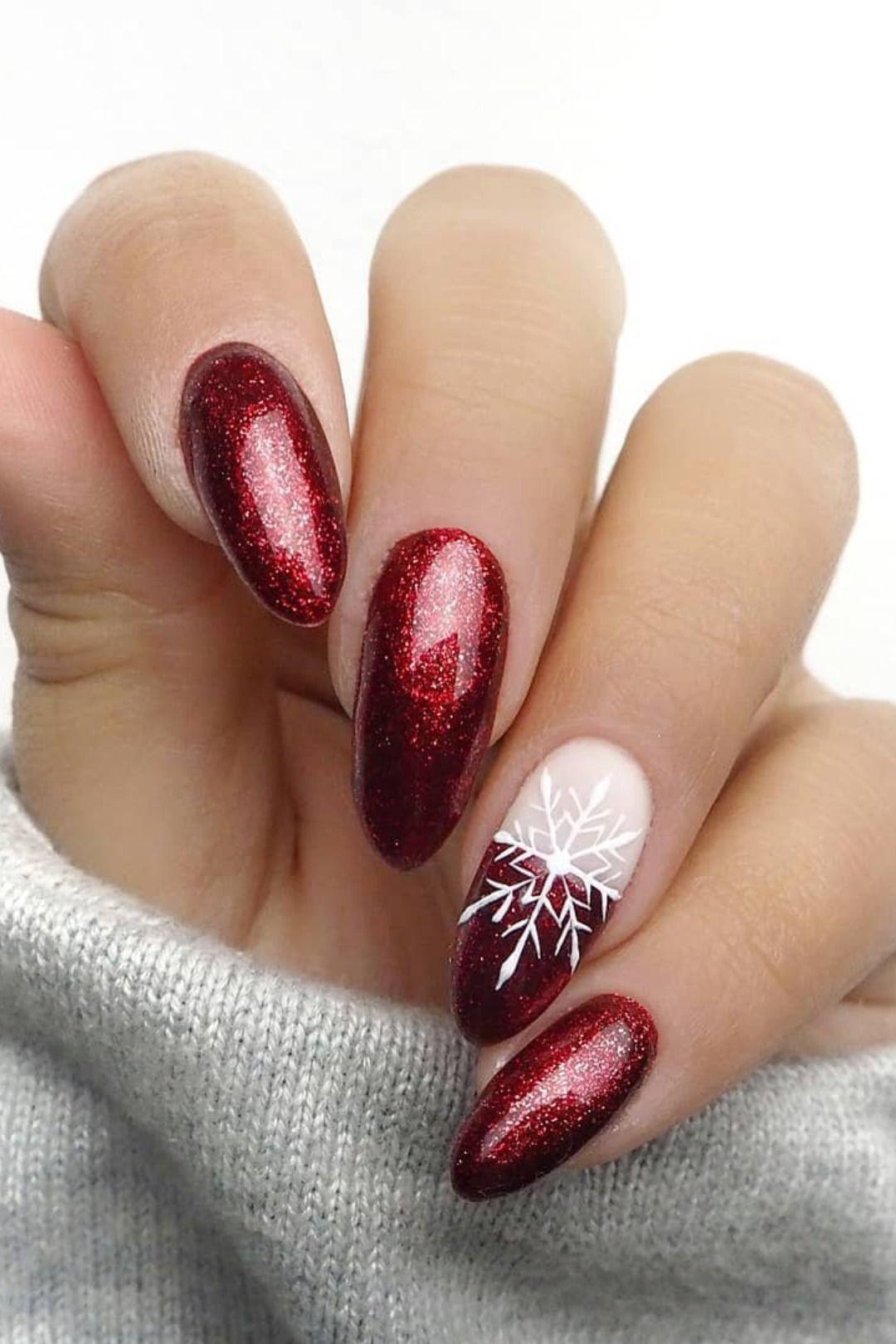 The Cutest And Festive Christmas Nail Designs For Celebration With Images Cervene Nehty Gelove Nehty Design Nehtu