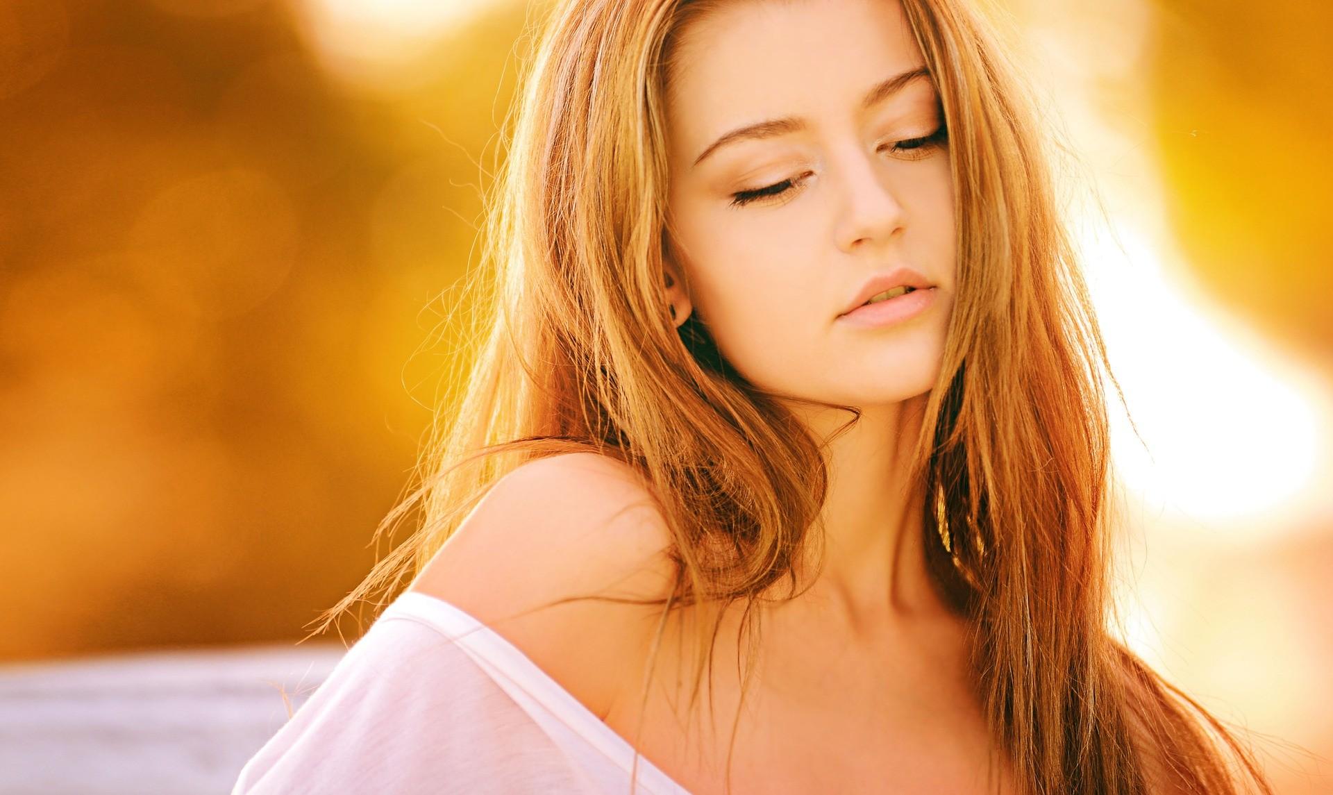 Vypadavaji Vam Vlasy A Trapi Vas Lamavost Nehtu Vyzkousejte Tohle Prirodni Reseni Www Vitalitis Cz