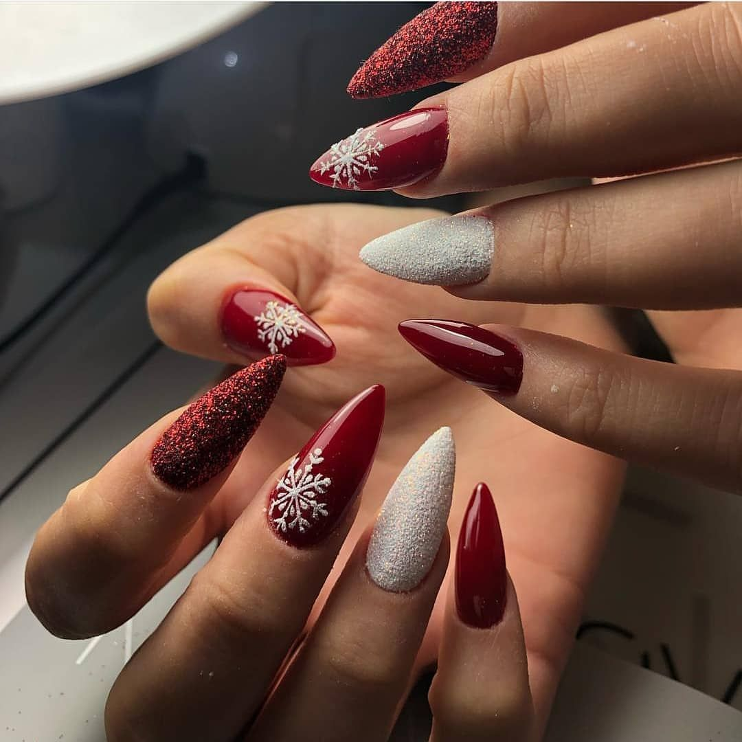 Top 80 Beautiful Winter Nail Art Designs Ideas For 2019 In 2020 Gelove Nehty Nehty Vanocni Nehty