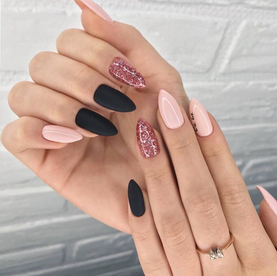 Pin By Carolline On Nails With Images Design Nehtu Gelove Nehty Umele Nehty