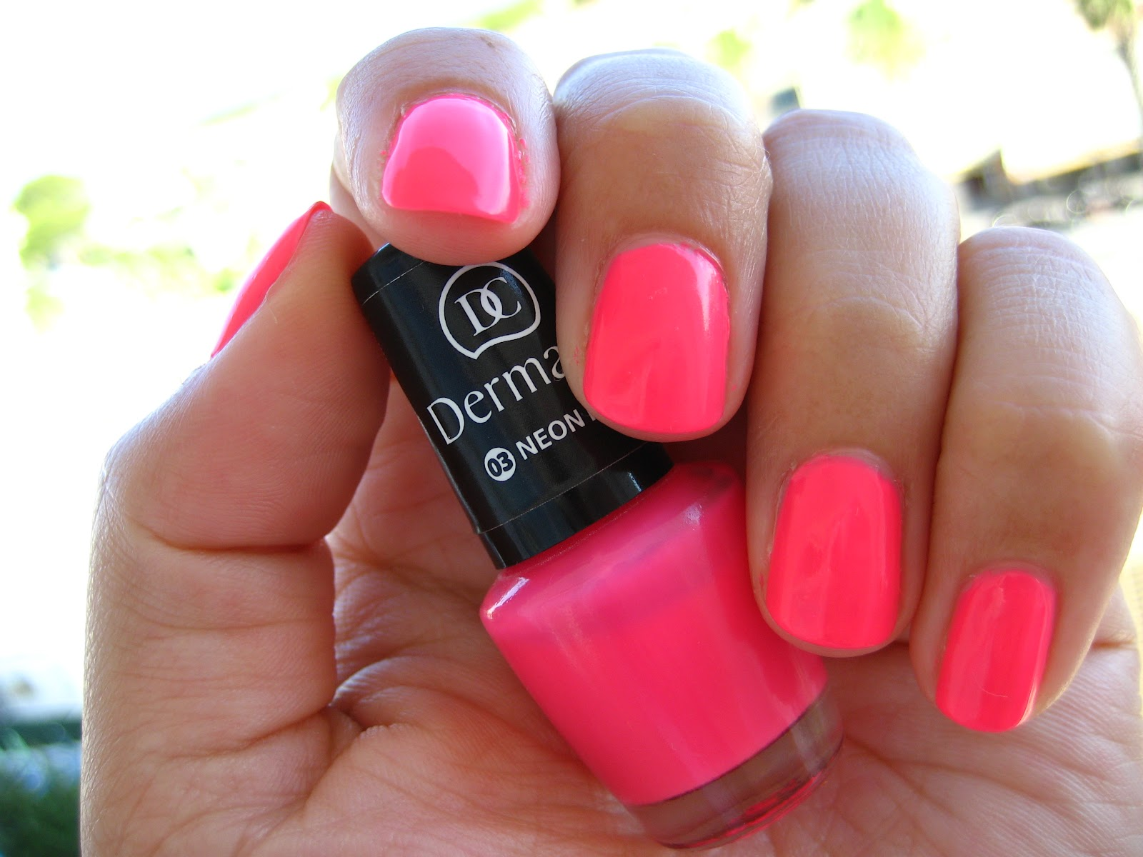 Dermacol Neon Pink Blogerky Cz