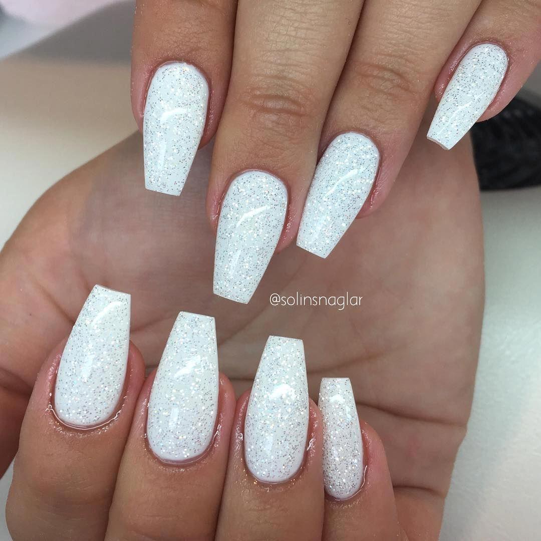 Make An Original Manicure For Valentine S Day In 2020 Gelove Nehty Nehty