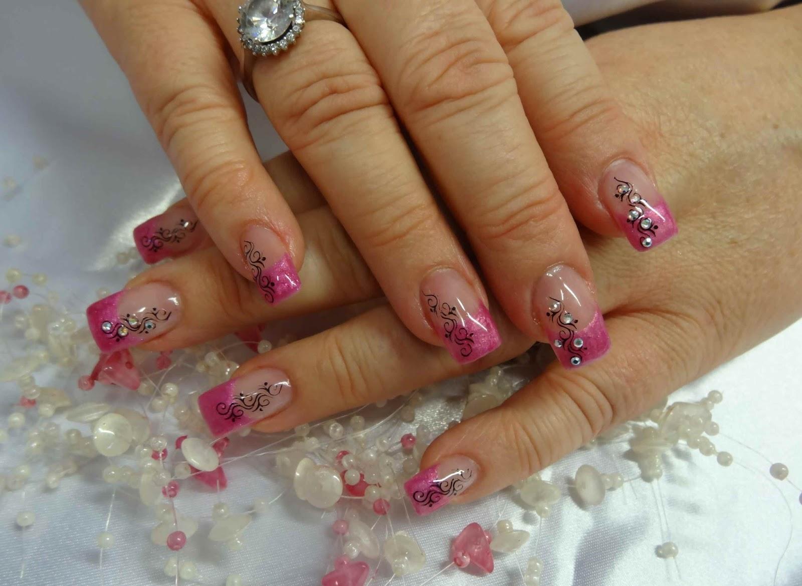 Magic Nails Specialista Na Nehty Gelove Akrylove I Prirodni Cervna 2015