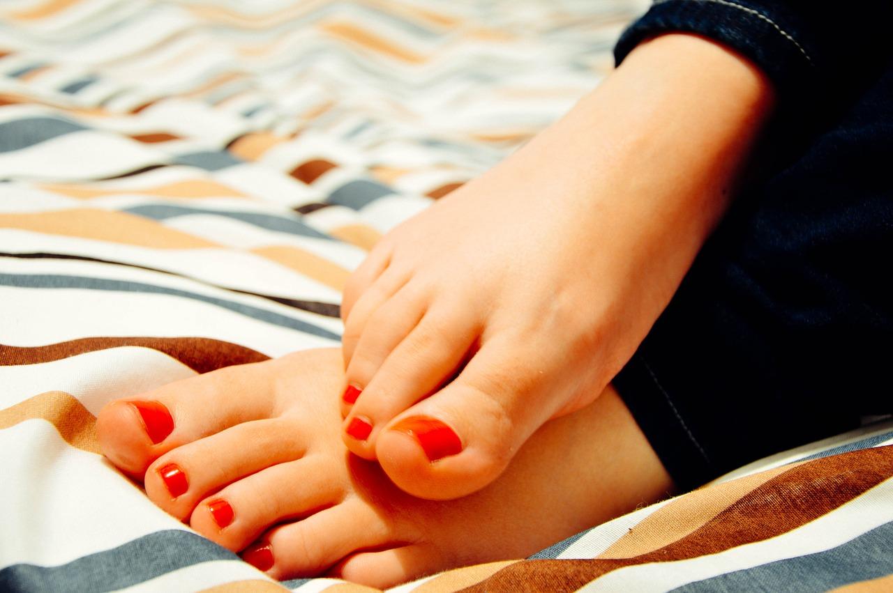 Zarustaji Vam Nehty Na Nohou Zkuste Nehtova Rovnatka Www Inteligentni Zena Cz