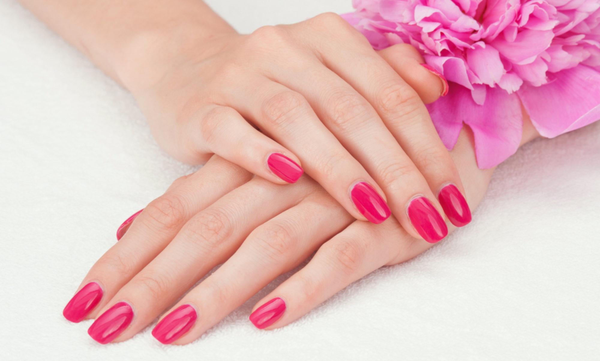 Sluzby Beauty Care Manikura Pedikura Nehtova Modelaz