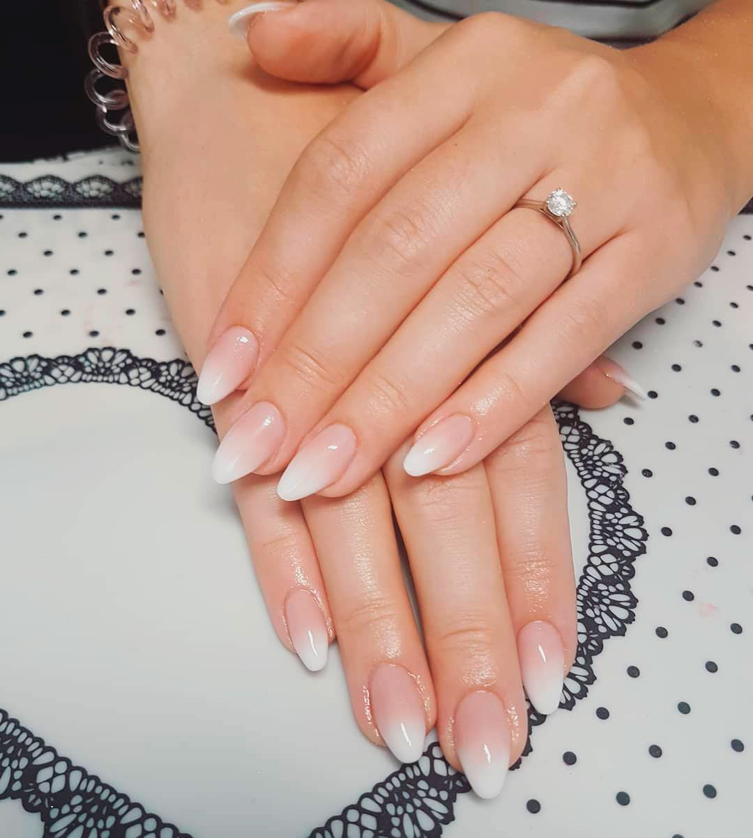 9 Stunning Modern French Manicure Ideas Gelove Nehty Nehty Napady Na Nehty