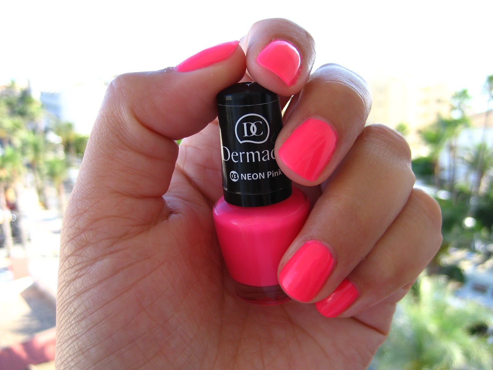 Lifestyle Blog By Katie Dermacol Neon Pink