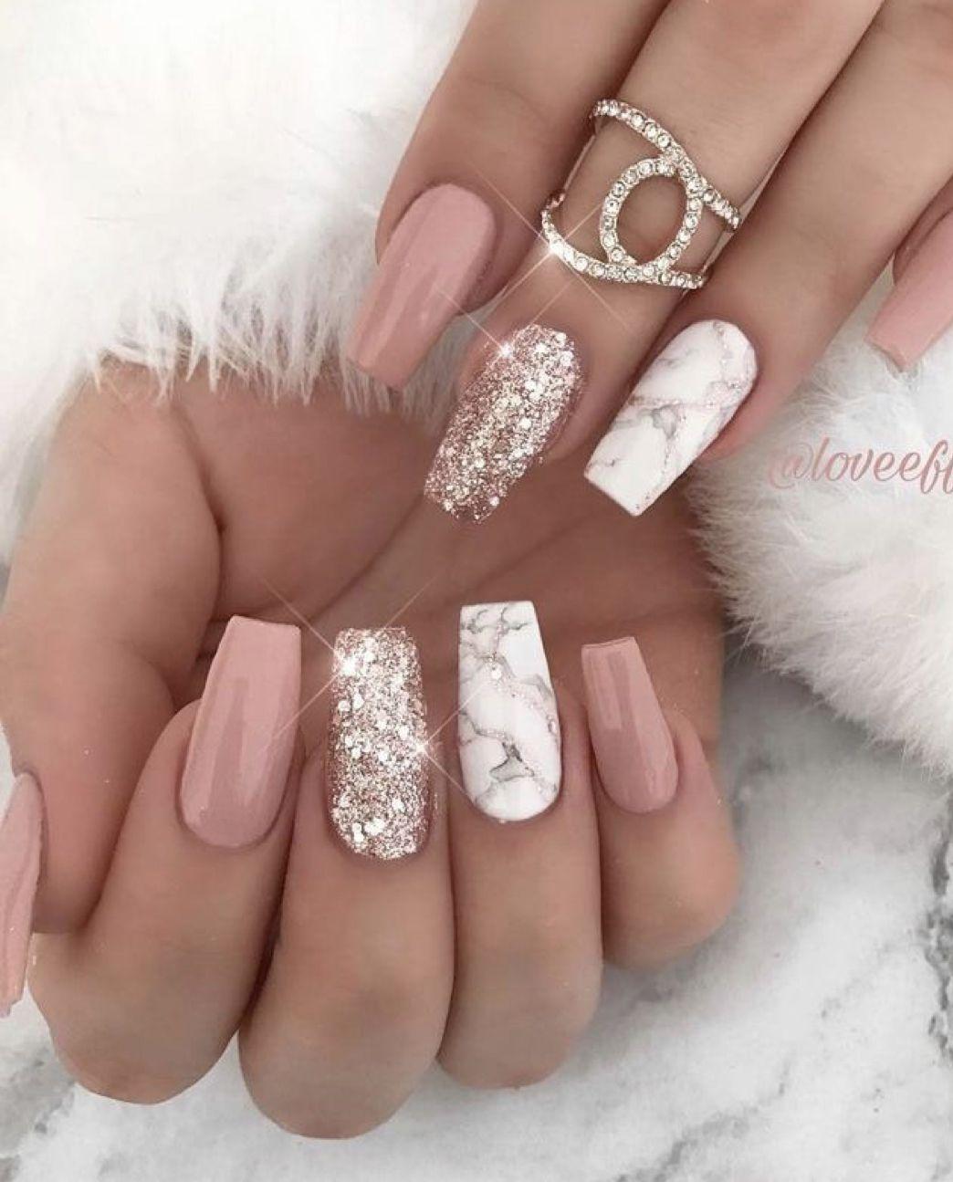 Pin By Veru123 On Nails Zlate Nehty Design Nehtu Gelove Nehty