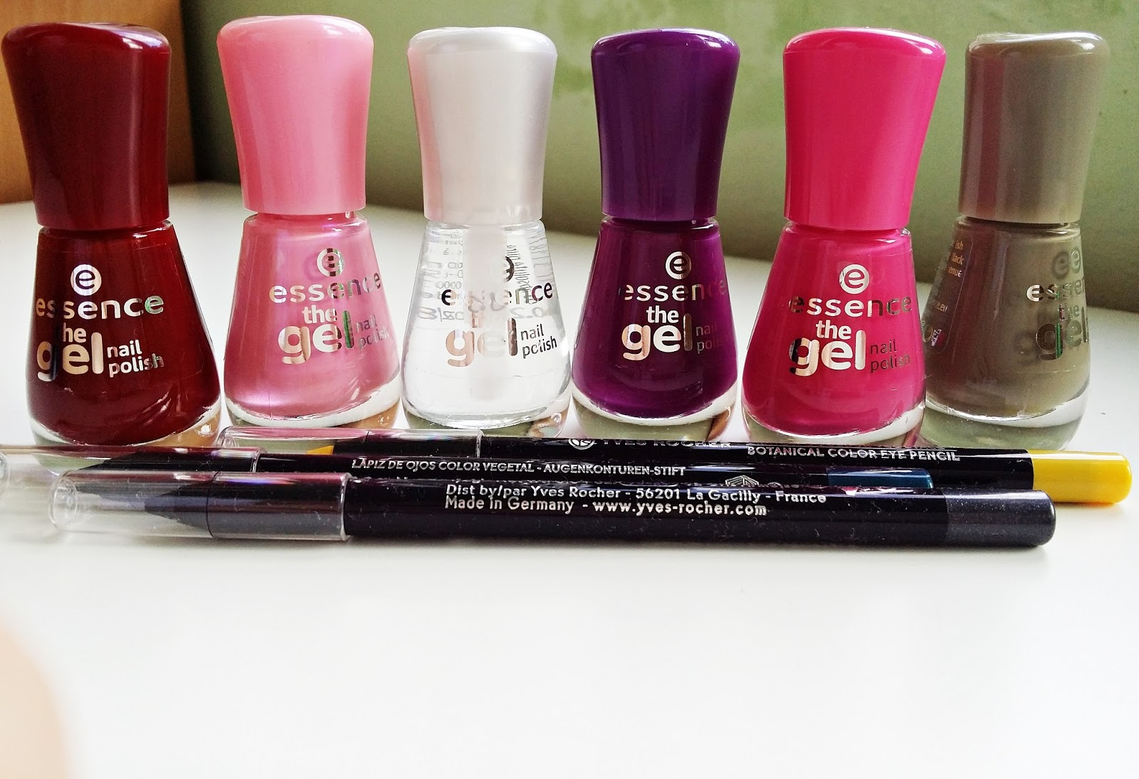 Giveaway S Essence A Yves Rocher Suzzie World