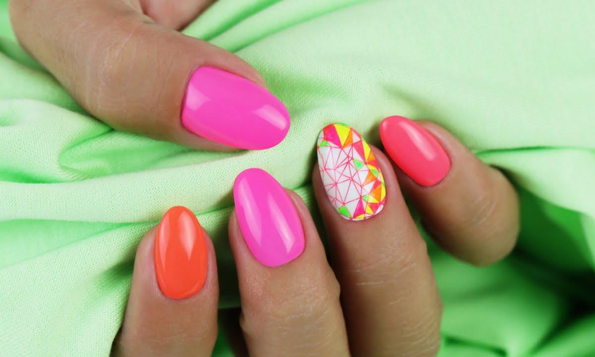 Crystal Nails Koromnyomda Hasznalata Neon Art Gel Diszitessel Youtube