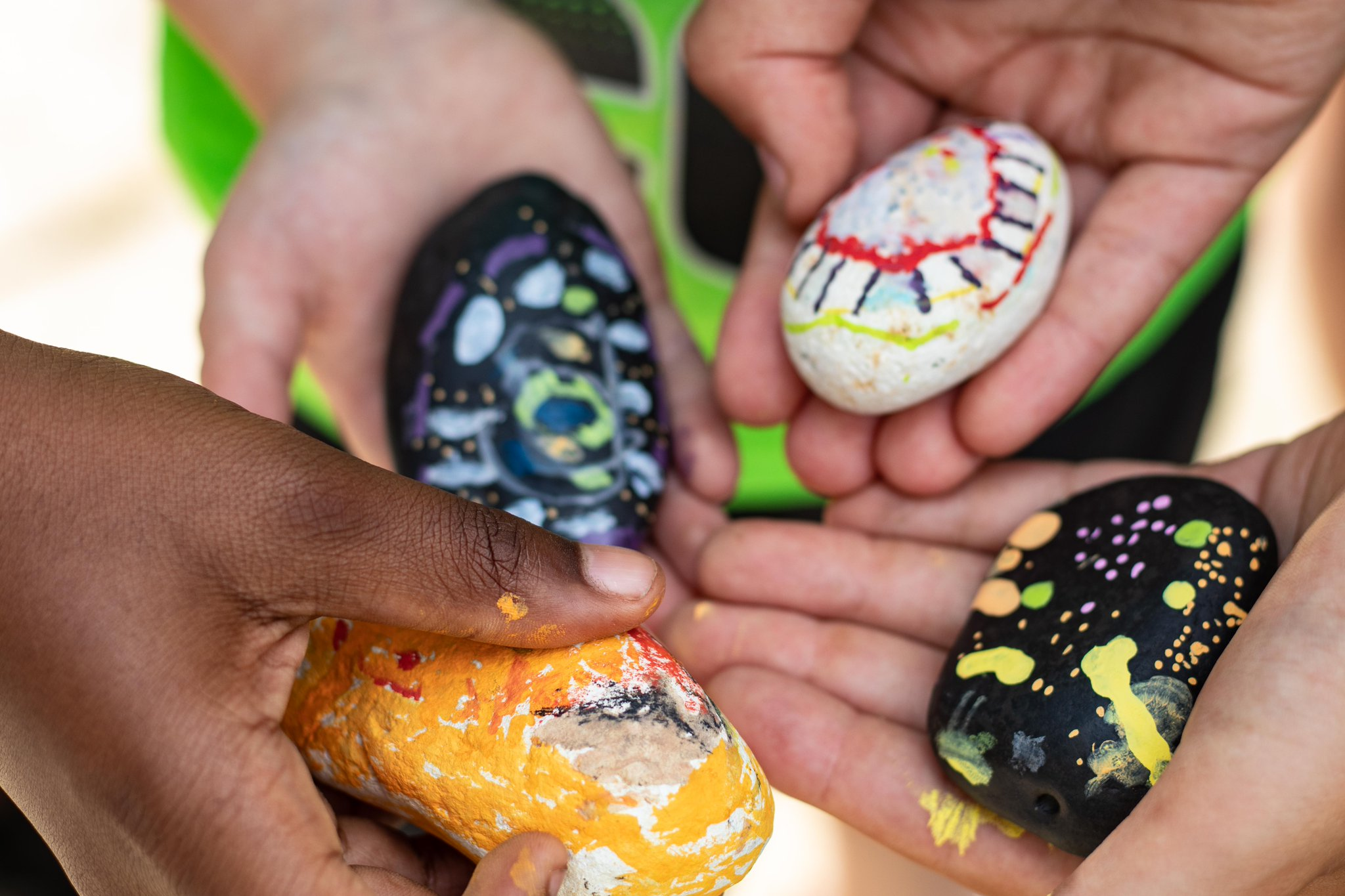 Uzivatel Jcfs Chicago Na Twitteru We Are Delighted By The Creativity Of Our Hinaynee Summer Program Campers And Their Painted Rocks The Rock Painting Is Part Of An Activity Designed To Help