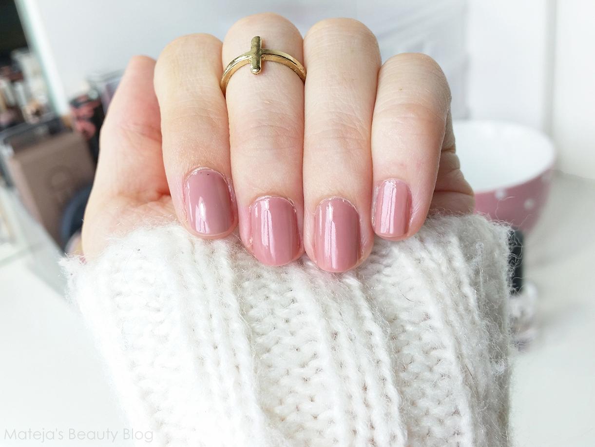 L Oreal Color Riche Nail Polish 205 Rose Bagatelle Mateja S Beauty Blog