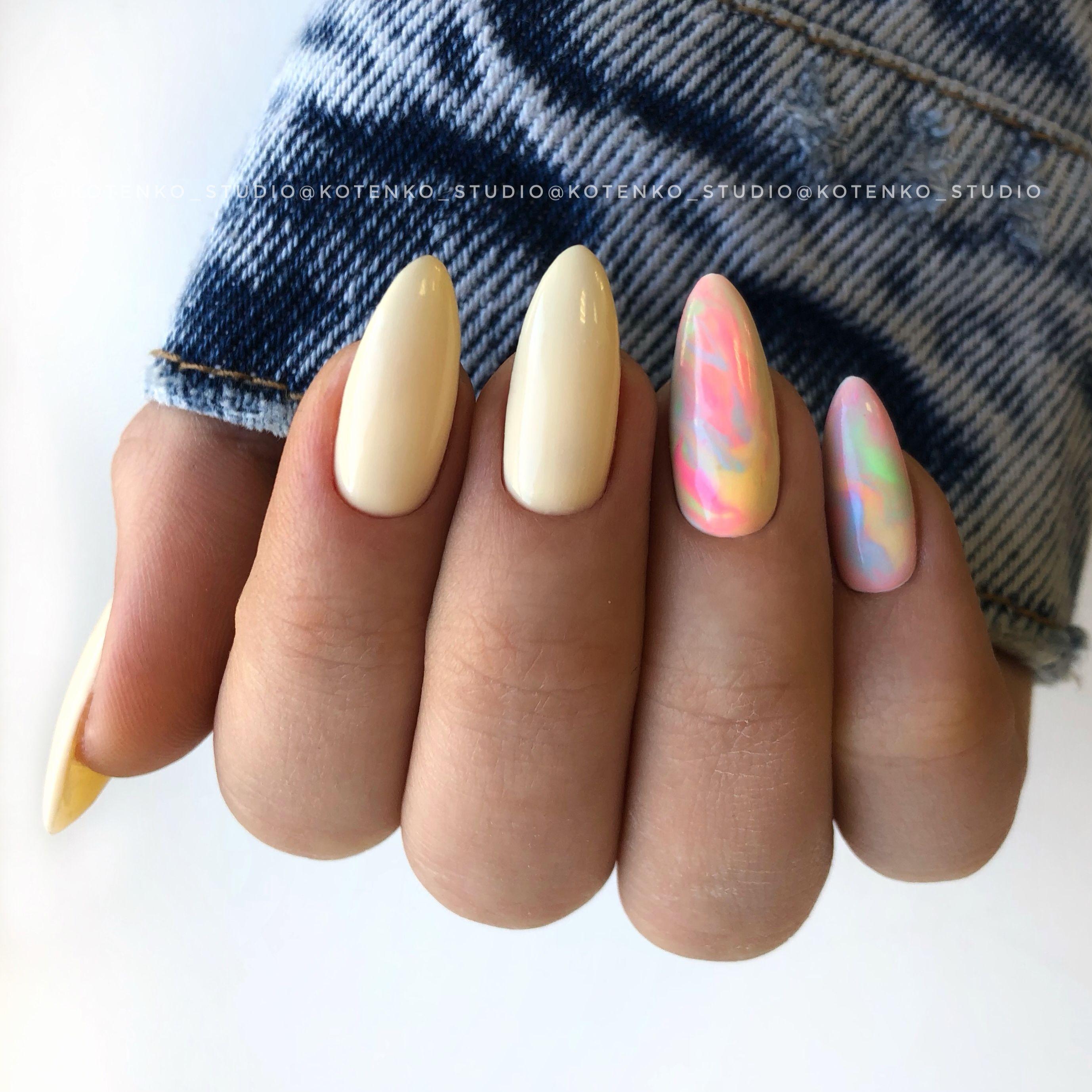 Pin By Barbora Hotova On Nails Gelove Nehty Kratke Nehty Nehty
