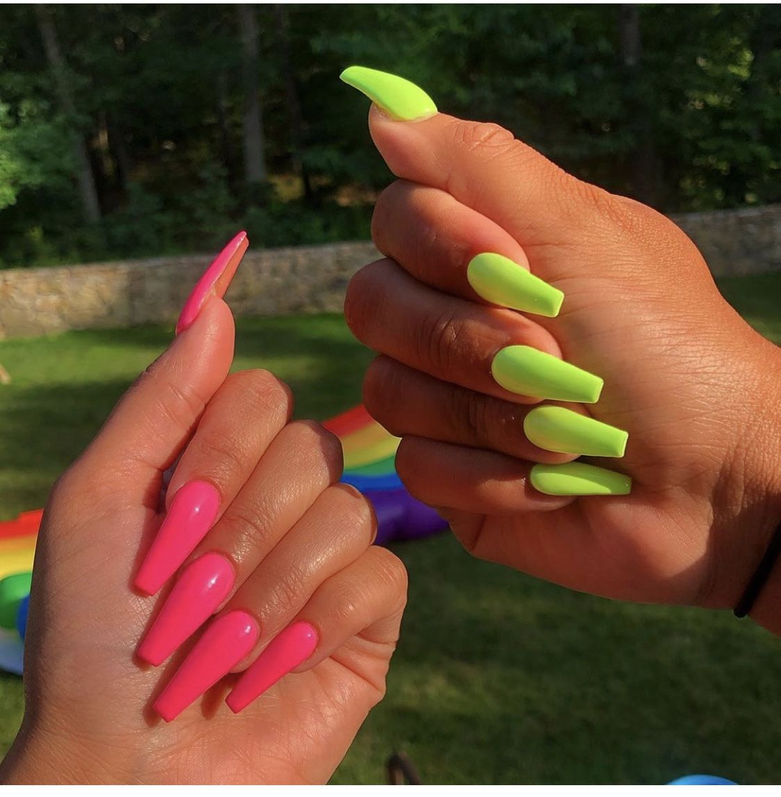 Pin By Cervena Svicka On Nails B Yasssss Green Acrylic Nails Aycrlic Nails Pink Acrylic Nails