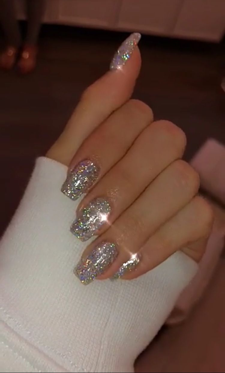 49 Ways To Putting Glitter For Nail Polish Idea With Images Design Nehtu Gelove Nehty Nehet