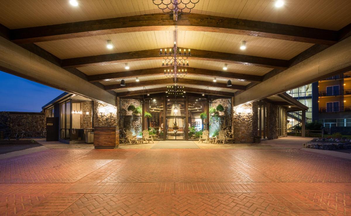 Lodge Of Four Seasons Golf Resort Marina Spa In Lake Ozark Mo Room Deals Photos Reviews