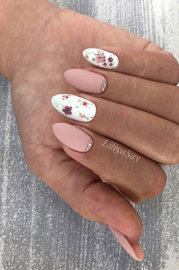 Nails Design Night Entertainment For 42 Festive And Bright Nail Art Ideas For New 2019 Page 32 Of 42 Gelove Nehty Nehty A Napady Na Nehty