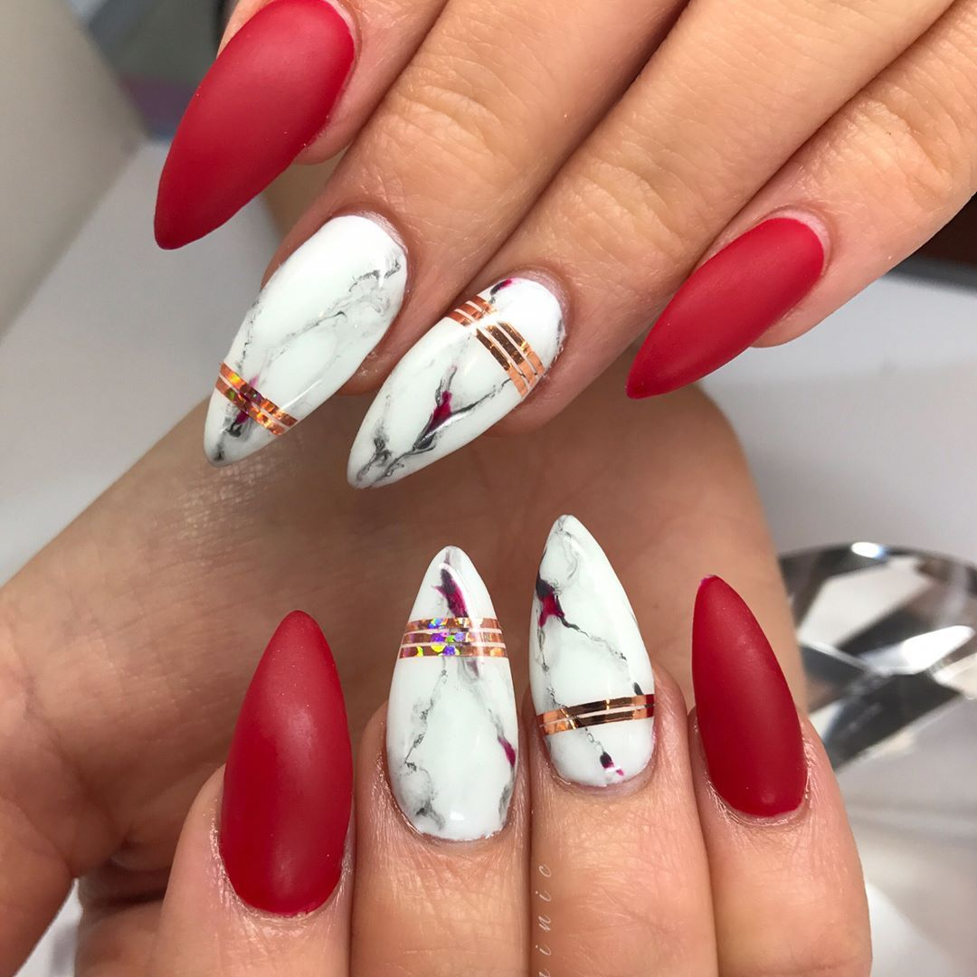 207 Likes 3 Comments Dominic Domblackfilenails On Instagram Matte Red Marble Can T Have Enough Of This Bea Design Nehtu Gelove Nehty Mramorove Nehty