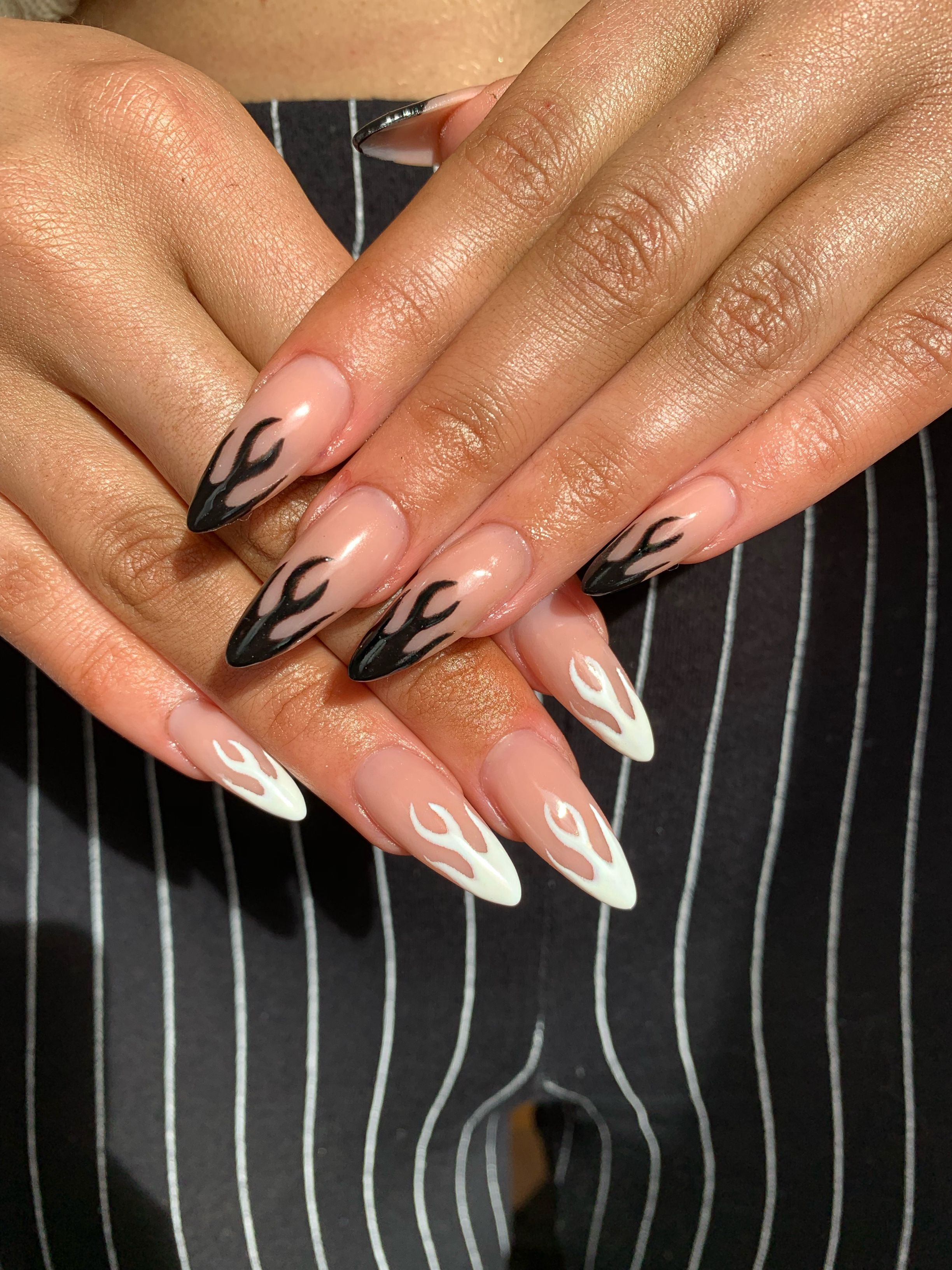 Pin By Julie On Nails In 2020 Gelove Nehty Nehty