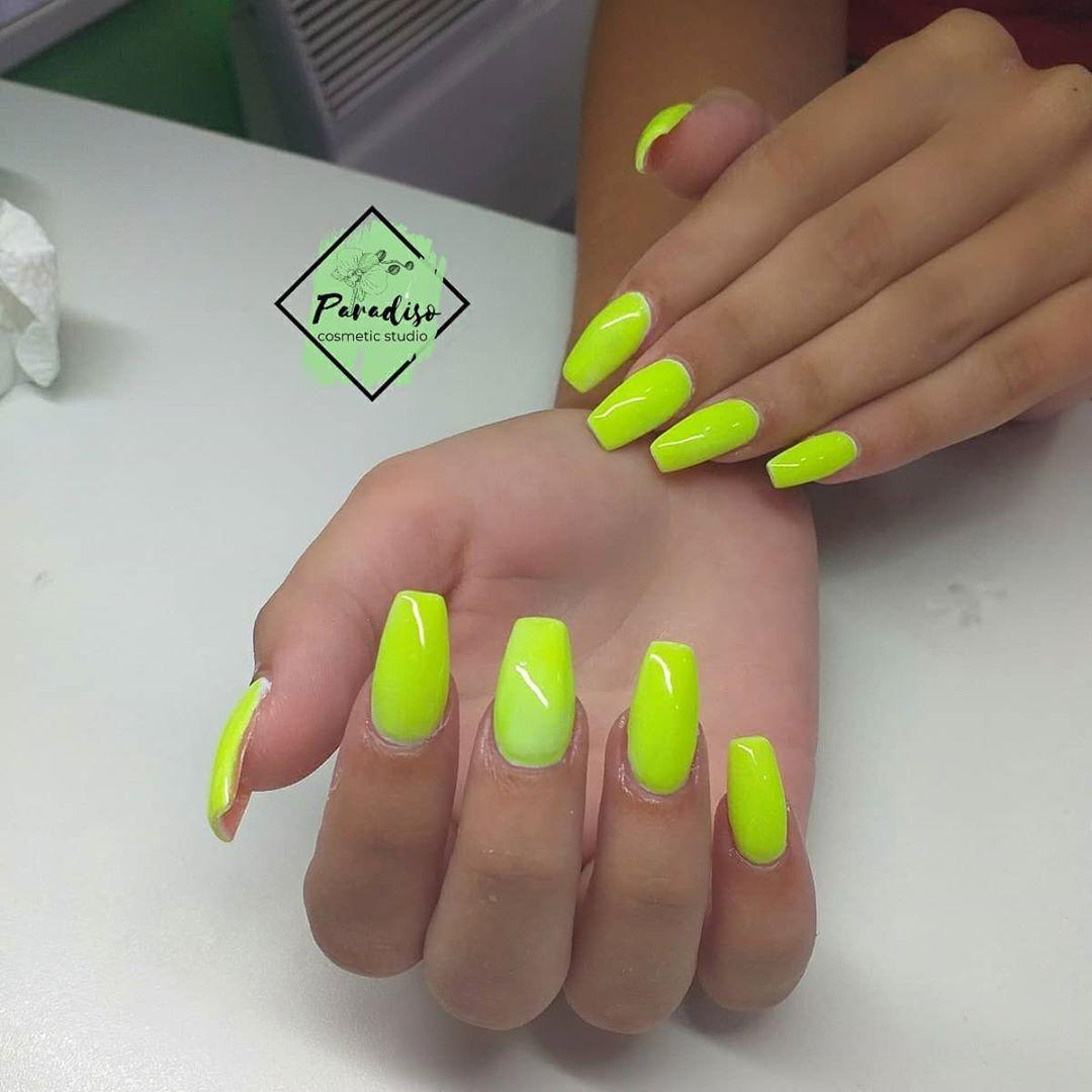 Nails Iznenadite Bojama Zakazite Svoj Termin Vas Paradiso Nails Nokti Gellak Nailcosmetic Noktisrbija In 2020 Nails Pins Convenience Store Products