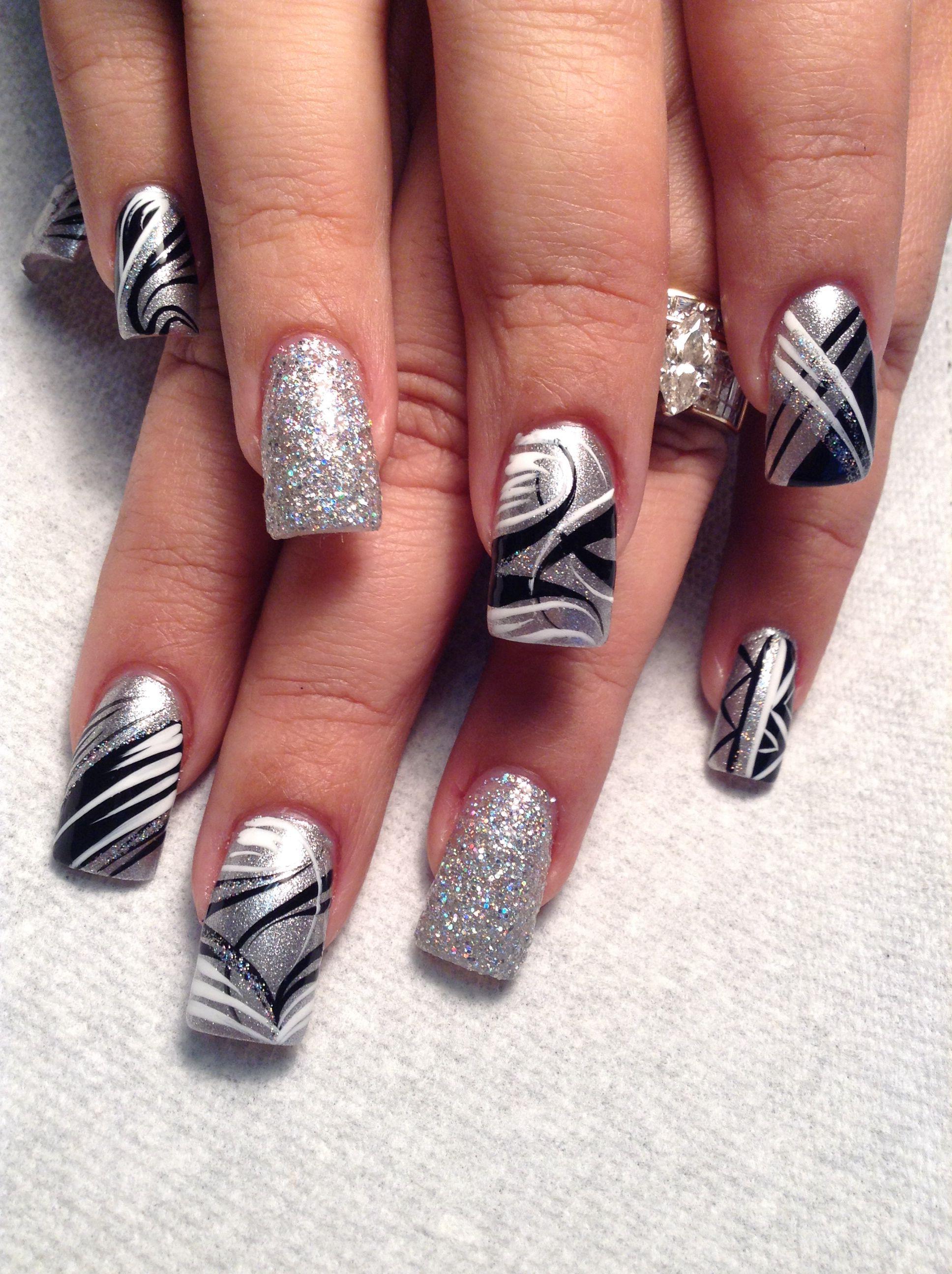 Silver Streak With Images Design Nehtu Gelove Nehty Nehty