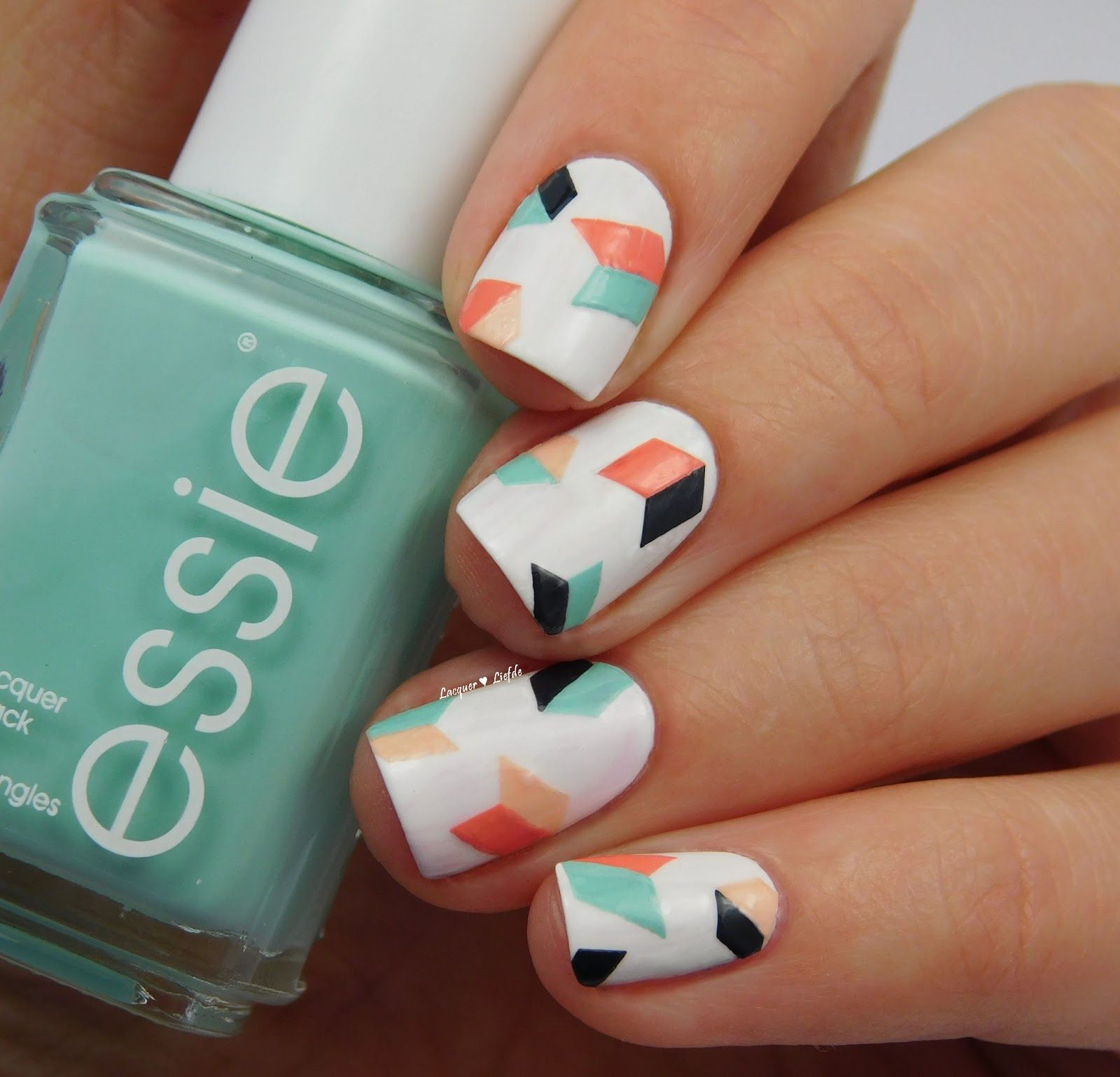 Essie Geometric Nail Art Gelove Nechty Manikura A Nechty