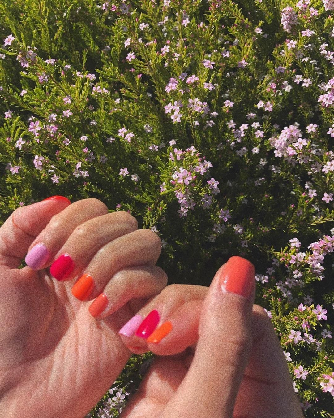 Nails Gel Or Acrylic What Is The Best Choice In 2020 Gelove Nehty Manikura Nehty
