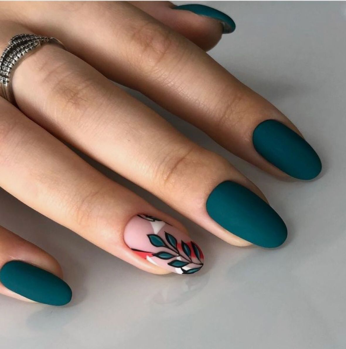 Pin By Marie Kasna On Manikyur In 2020 Emerald Nails Stylish Nails Cute Acrylic Nails